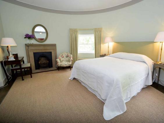 diana-bedroom.jpg