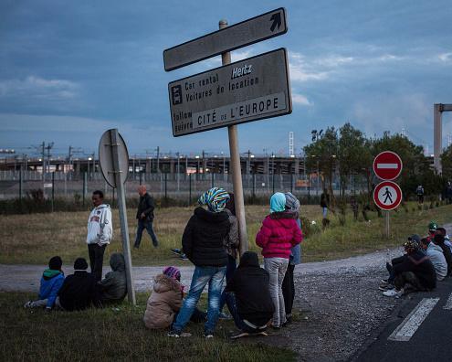 calaismigrants.jpg
