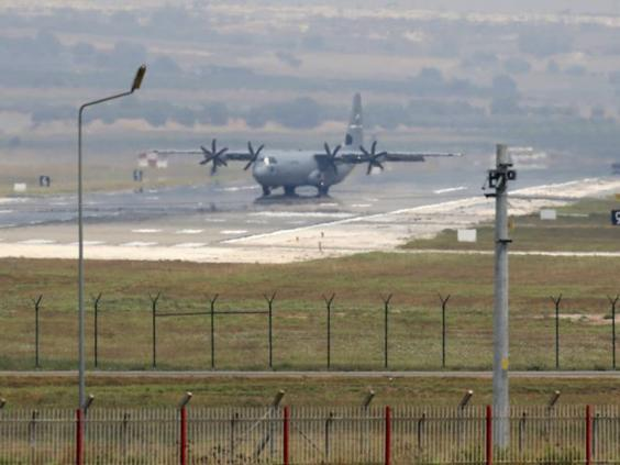 31-Incirlik-Airbase-AP.jpg