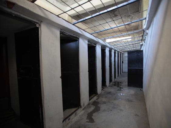 23-IS-Prison-Get.jpg