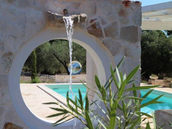 trullo-pool.jpg