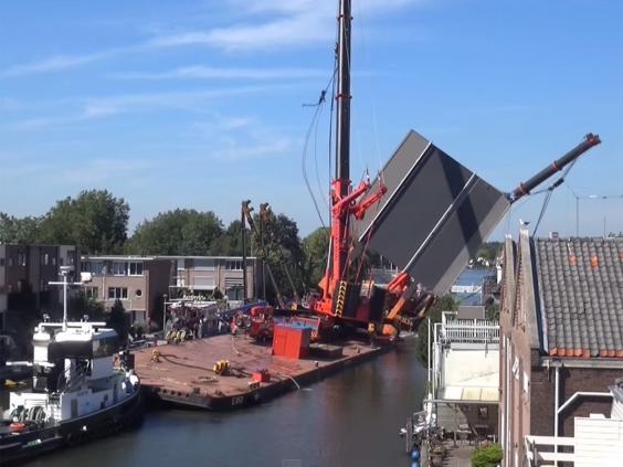 crane-fall-youtube-grab.jpg