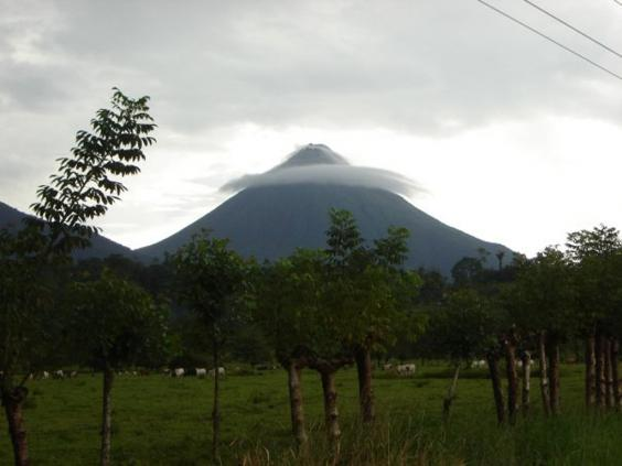 Volcan_Arenal,_La_Fortuna_CR_000.jpg