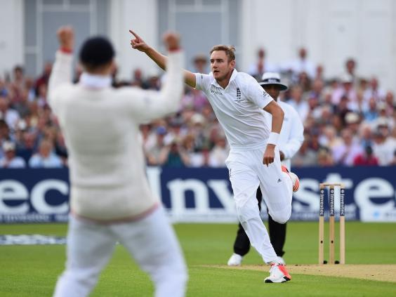 Stuart-Broad-of-England-celebrates-the-wicket-of-Chris-Rogers.jpg