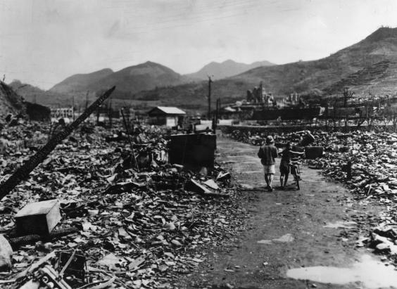 dropping the atomic bomb on japan The causes and effects of the atomic bombs: hiroshima and na  an atomic bomb is a nuclear explosive which derives its power from nuclear  to bomb japan,.