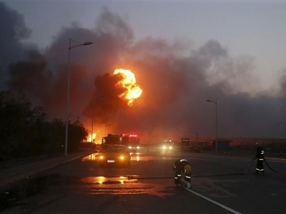 tianjin-firefighters-REUT.jpg