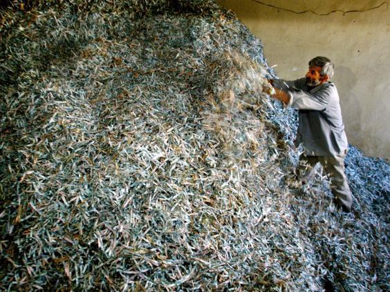 39-Afghan-Banks-Getty.jpg