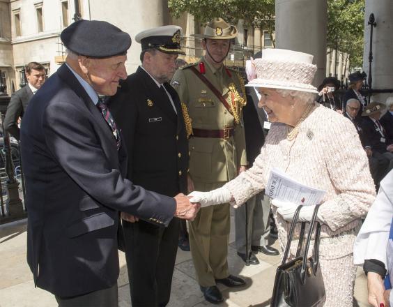 Queen-veterans-AP.jpg