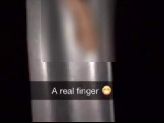 fingertwitter.jpg