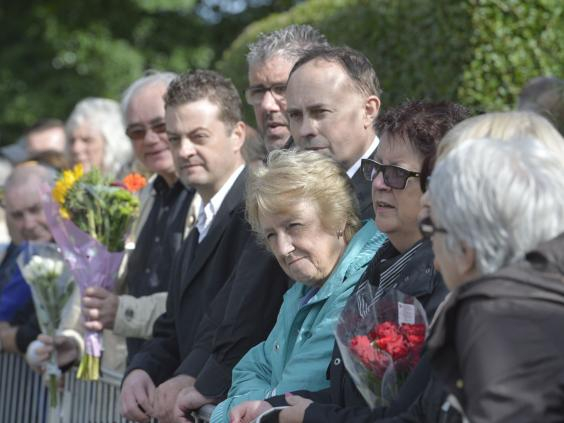 funeralonlookers.jpg