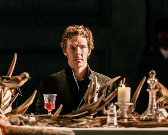 1.-Benedict-Cumberbatch-(Hamlet)-in-Hamlet-at-the-Barbican-Theatre.jpg