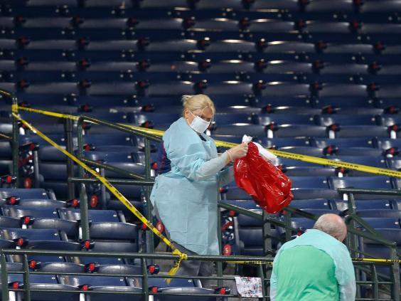 baseball-fan-dies-turner-stadium.jpg