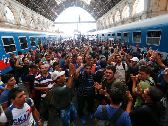 budapest-migrants-10.jpg