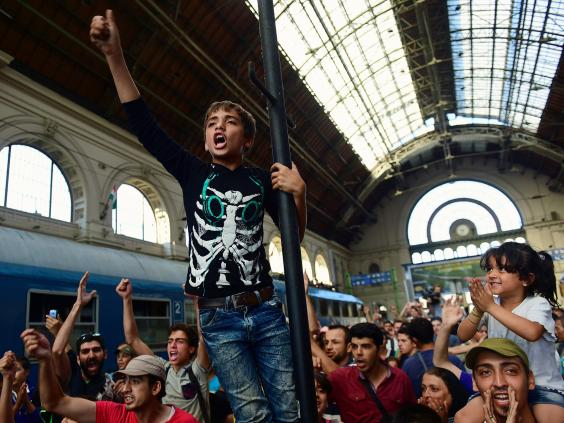 budapest-migrants-3.jpg