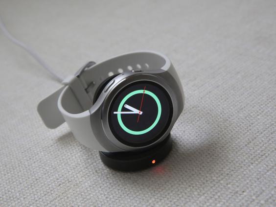 Samsung-Gear-S2-2.jpg