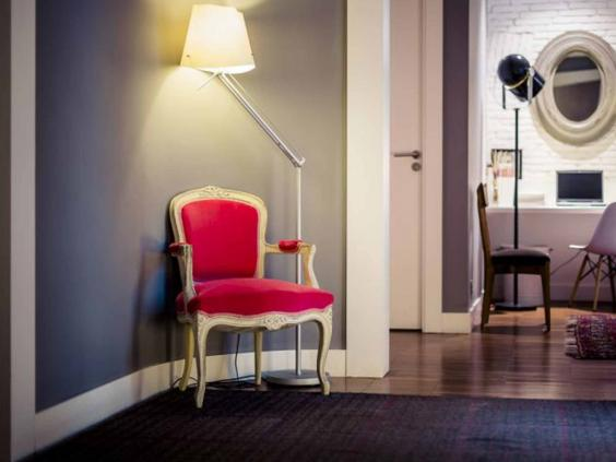 barcelona-hotel-chair-roser.jpg