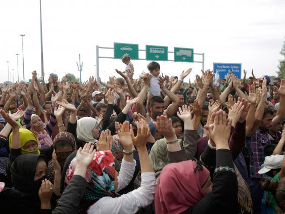 refugees-hungary-serbia-4.jpg