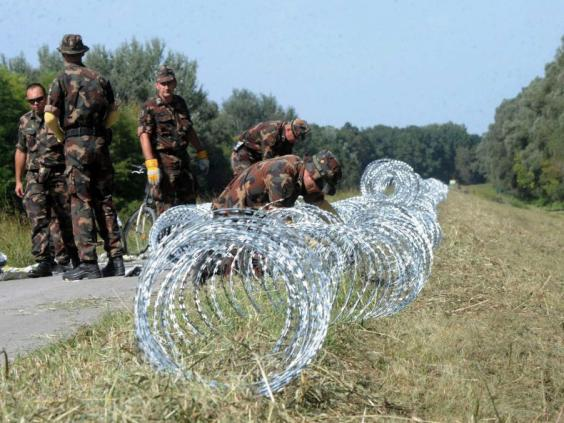 Hungary-Croatia-fence.jpg