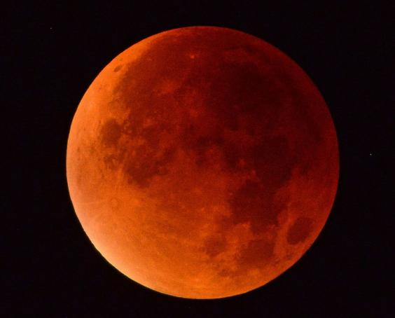 red moon england - photo #12