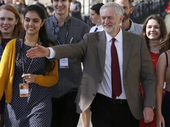 Corbyn-arriving-REUT.jpg