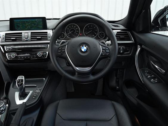BMW-3-Series-Touring-320d-ED-Plus2.jpg