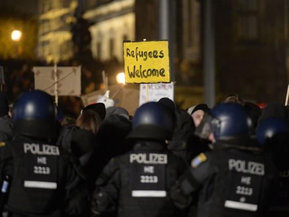 Anti-Pegida-Dresden.jpg
