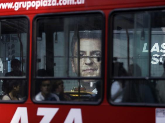 30-argentina-bus-ap.jpg