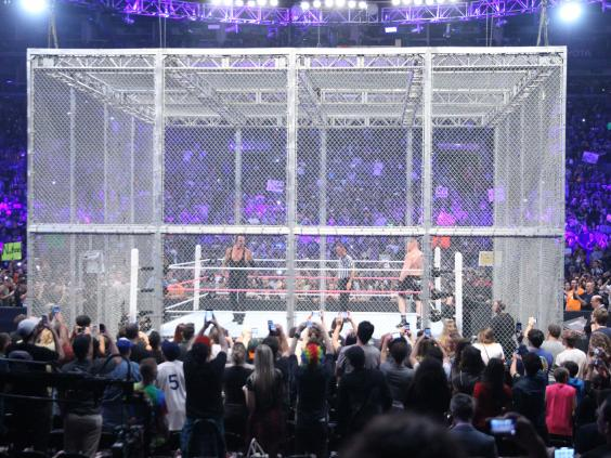 Wwe Hell In A Cell 2015 Results Brock Lesnar Wins Bloody