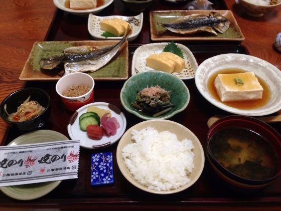 Japonya'da bir kahvaltı sofrası