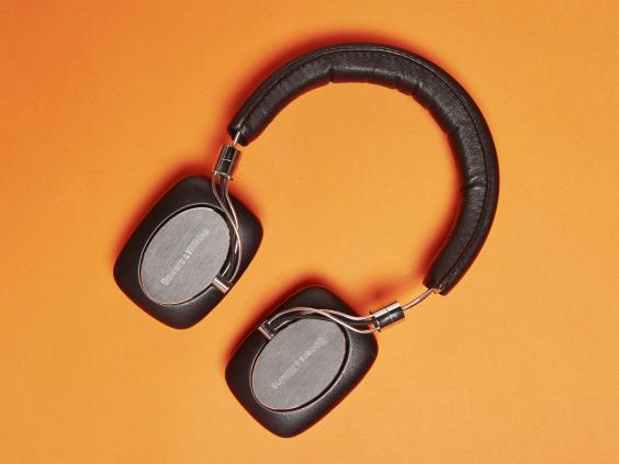 p5-wireless-headphones.jpg