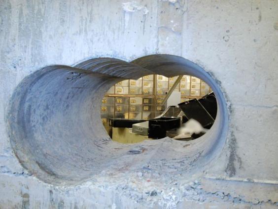 8-hatton-garden-tunnel-get.jpg