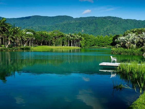 taiwan-lake-alamy.jpg