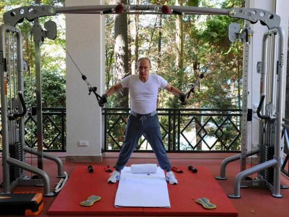 Putin-workout  - 1 - Vladimir Putin's hard-core daily routine includes hours of swimming, late nights, and no alcohol