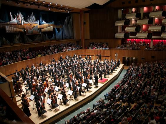 Dudamel-Simon-Bolivar-Symphony-Orchestra.jpg