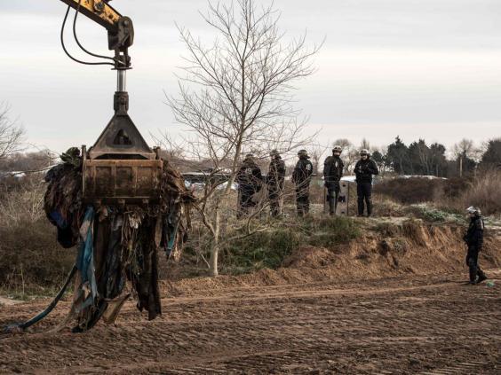 Calais-jungle-demolition2.jpg