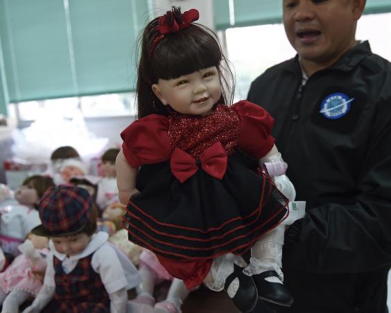look-thep-doll-thailand.jpg