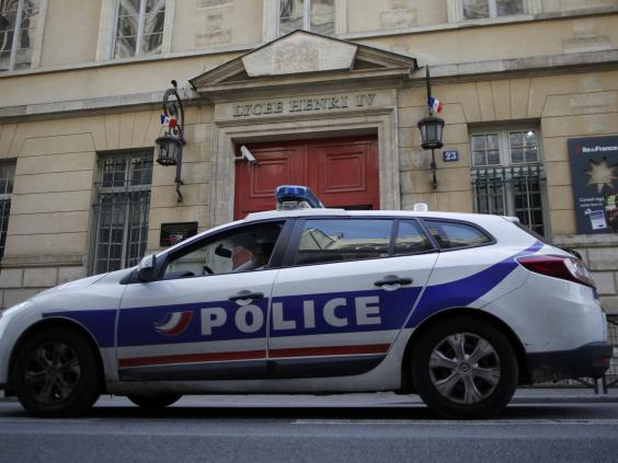 School-bomb-threats-Paris.jpg