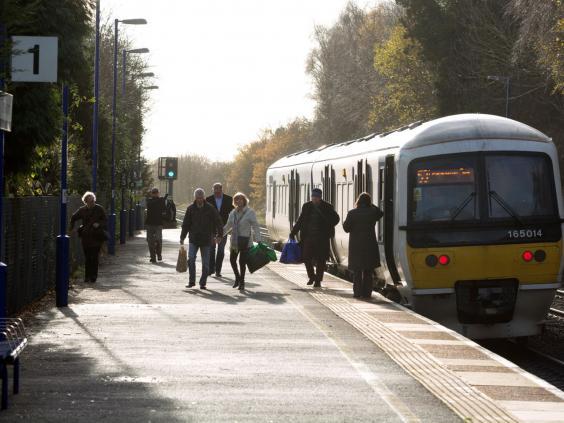 24-train-passengers-Alamy.jpg