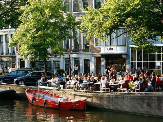 Amsterdam-Alamy.jpg