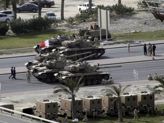 24-bahrain-tanks-afpget.jpg