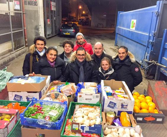 ad-volunteers-food-waste-supermarkets.jpg