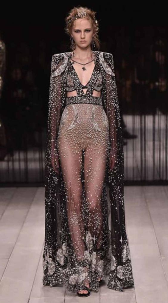 london-fashion-mcqueen.jpg