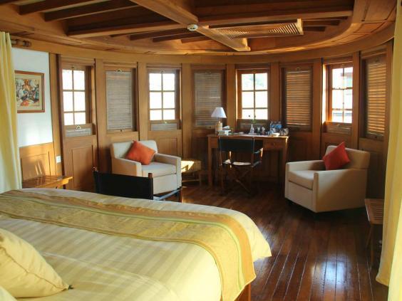 burma-cruise-room.jpg