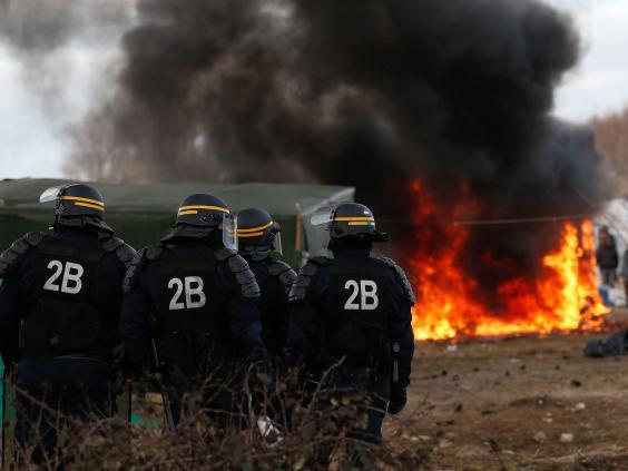 Calais-jungle-demolitions3.jpg