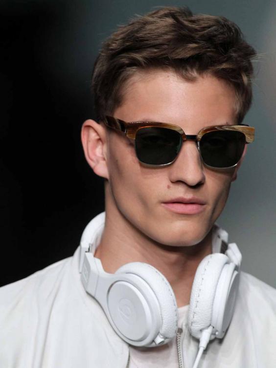 headphones-fashion.jpg