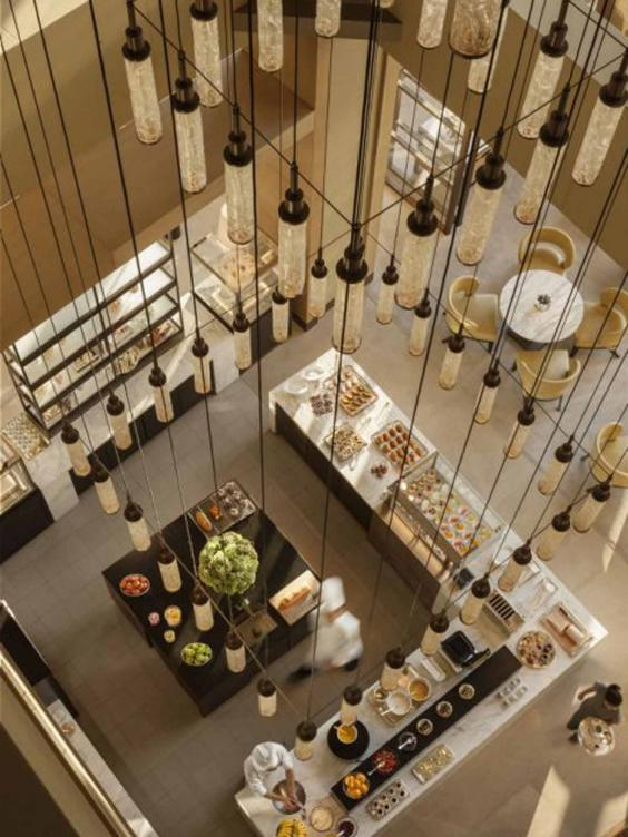 40 Luxurious Grand Foyers For Your Elegant Home: Hotel Review: A Luxurious Refuge From