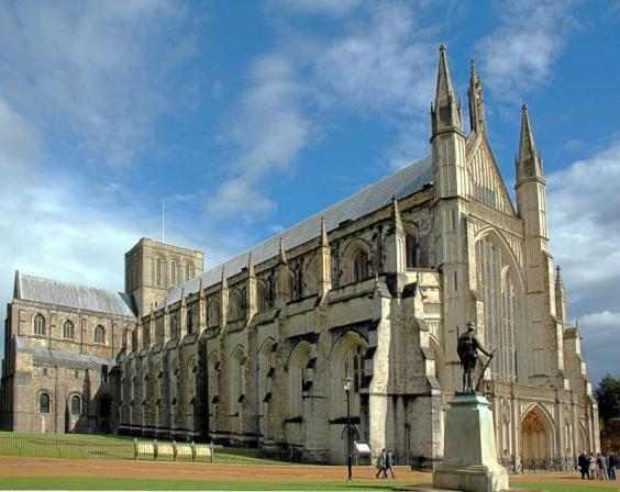 Winchester_cathedral.jpeg