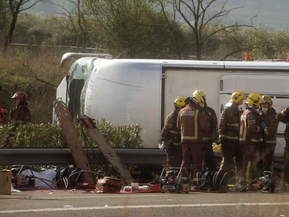 bus-crash-spain-3.jpg
