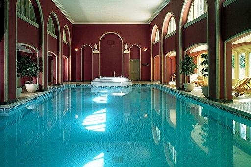 hartwell_house_spa-pool.jpg.512x342_q85_crop_detail_upscale_1.jpg