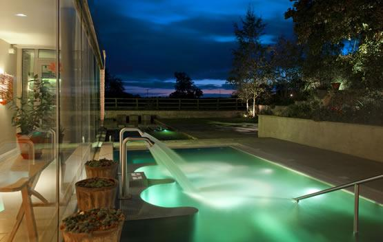 Hotels With Pools Near Bristol